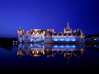 Chantilly_Castle,_Chantilly,_France_resize.jpg