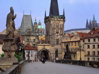 Charles_Bridge,_Prague,_Czech_Republic_resize.jpg