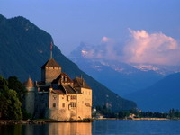 Chillon_Castle,_Lake_Geneva,_Switzerland_2_resize.jpg