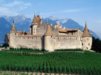 D_aigle_Castle,_Switzerland_resize.jpg