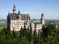 Neuschwanstein_Castle,_Bavaria,_Germany_-_1_resize.jpg
